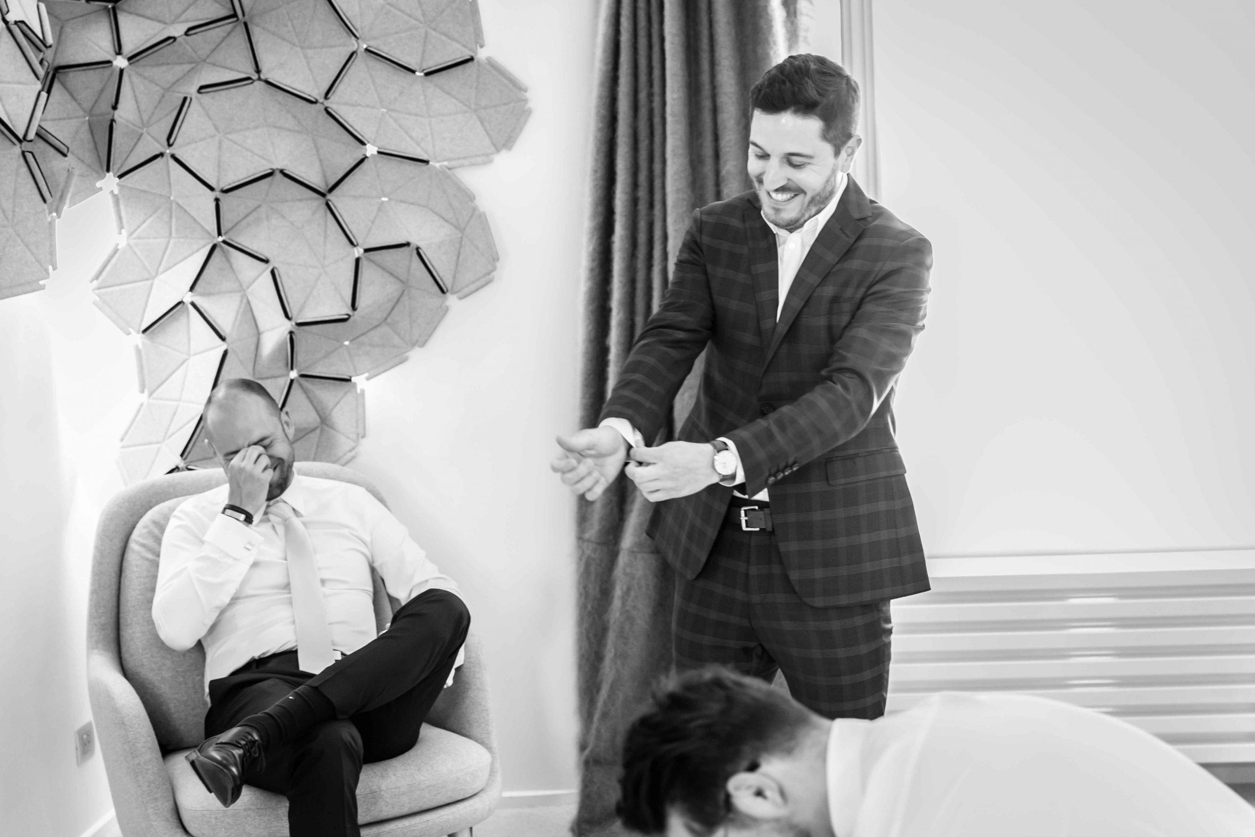 rires et mariage, se marier en toute décontraction, mariage au domaine du Kaegy en Alsace