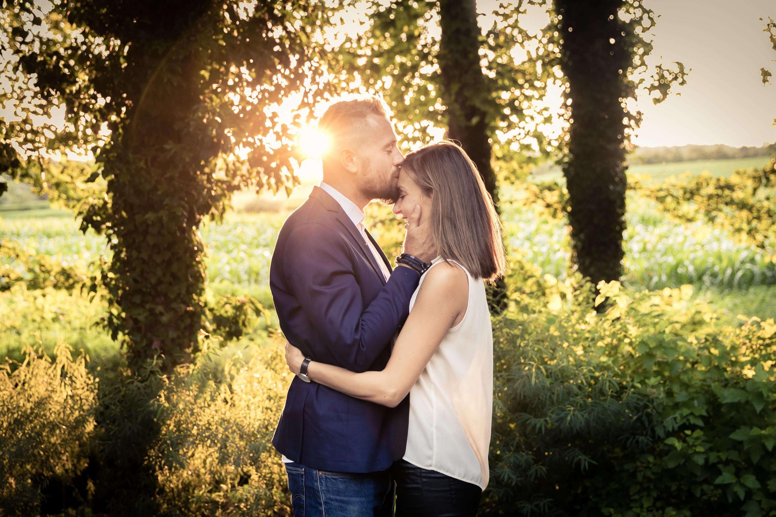 mariage en été séance photo à contre-jour