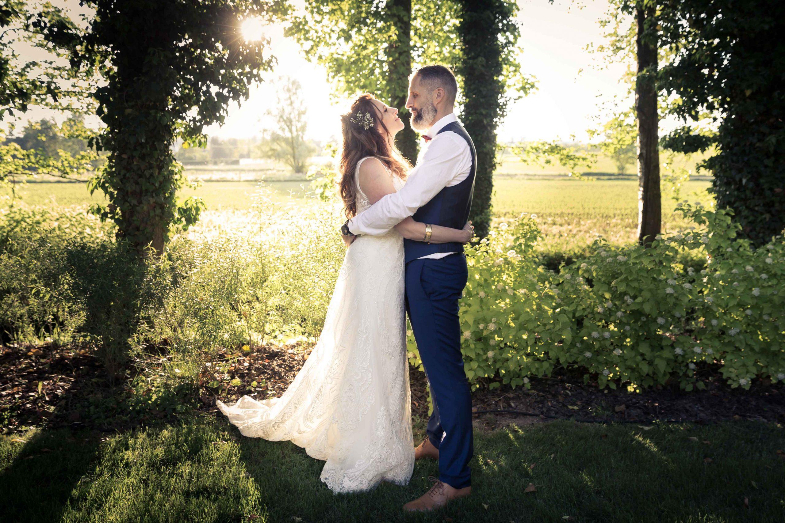 séance photo de mariage et couché de soleil en Alsace