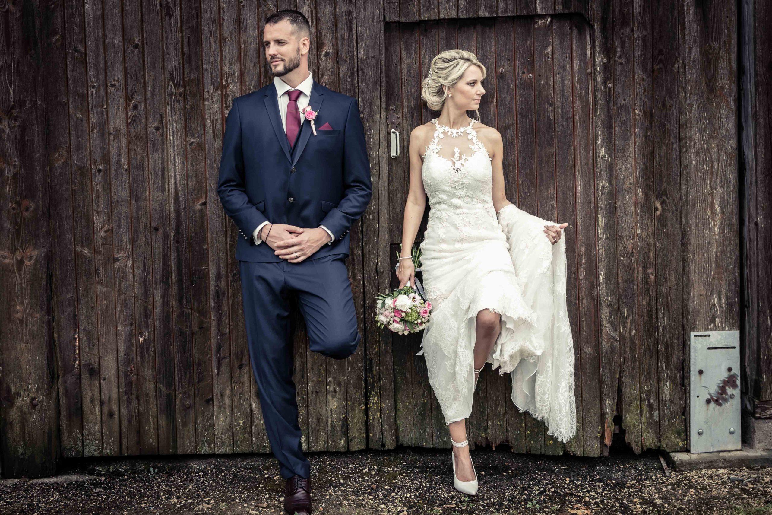séance photo des mariés lors d'un mariage à Winckel, mariage champètre