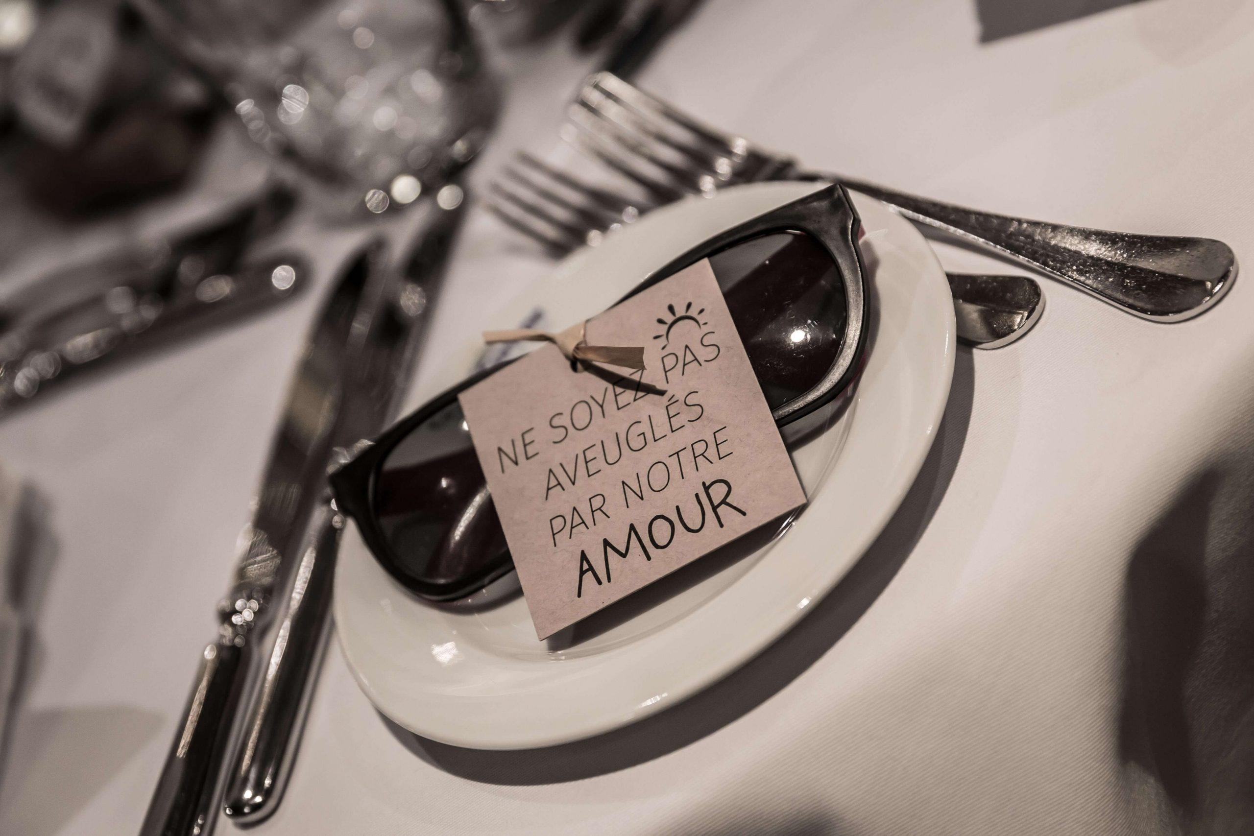 objets décoratif du mariage relatif à l'amour, une touche humoristique