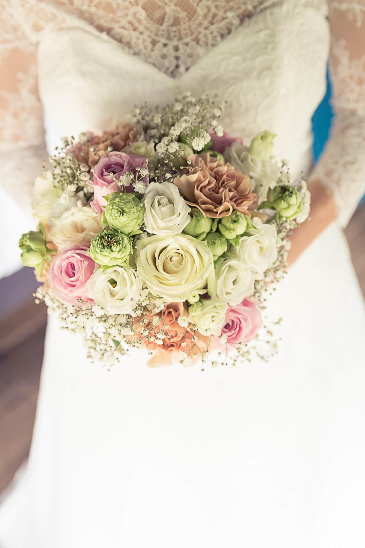 bouquet tout en couleur de mariage