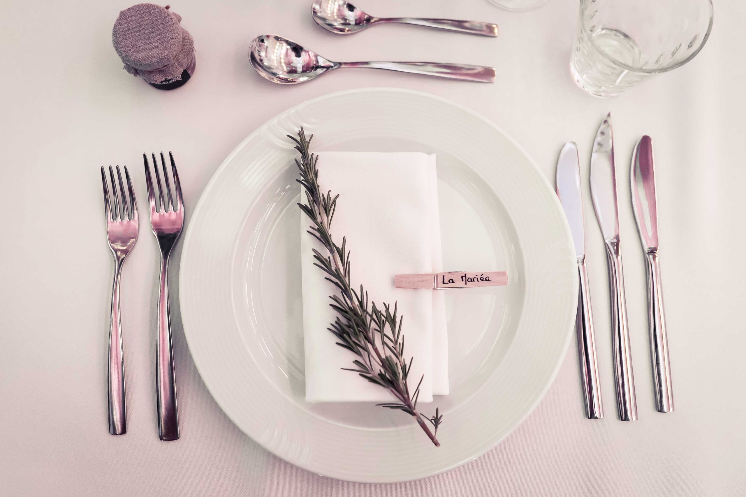 l'assiette des mariés et décoration de table, décoration des assiettes mariage