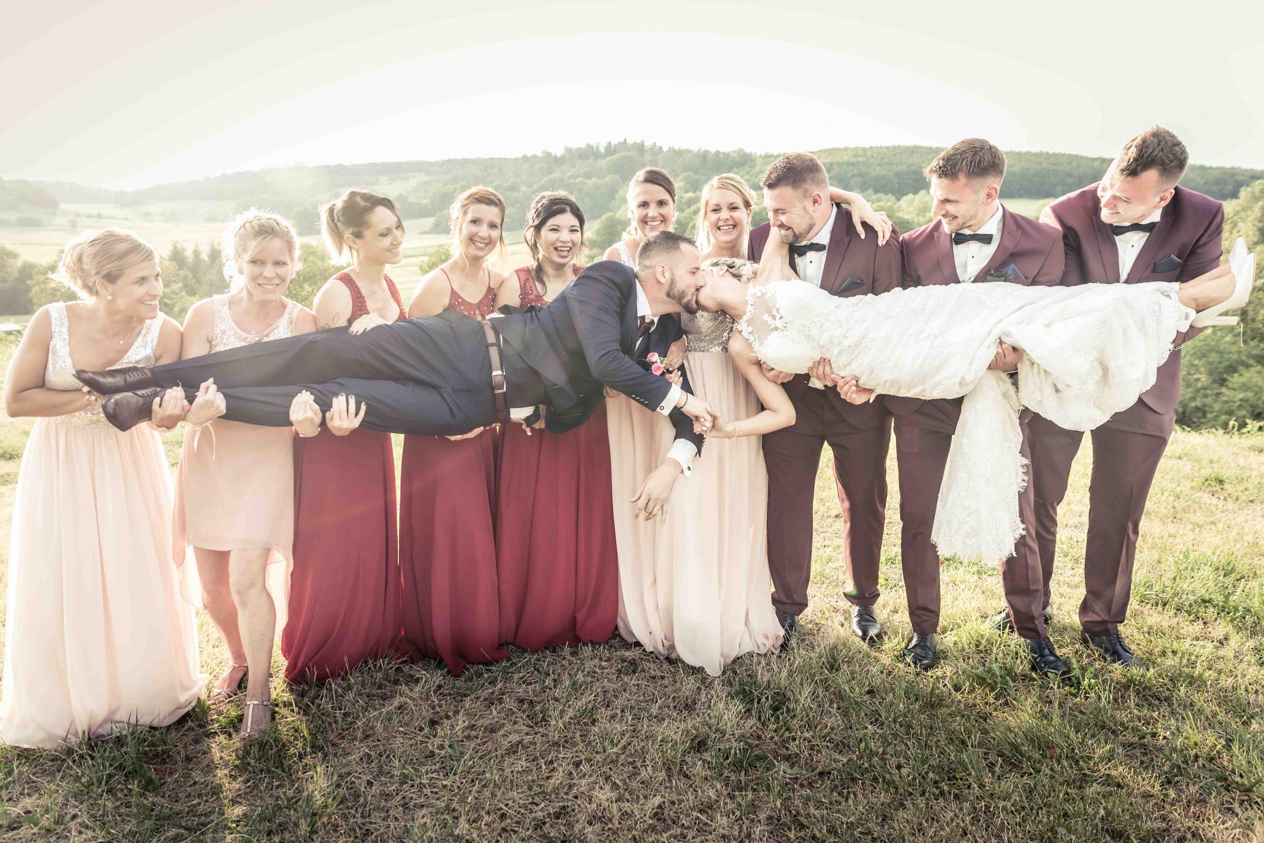 photo de groupe originale dan sun mariage dan sle Sundgau à Winkcel avec la société d'organisation de mariage 2A event