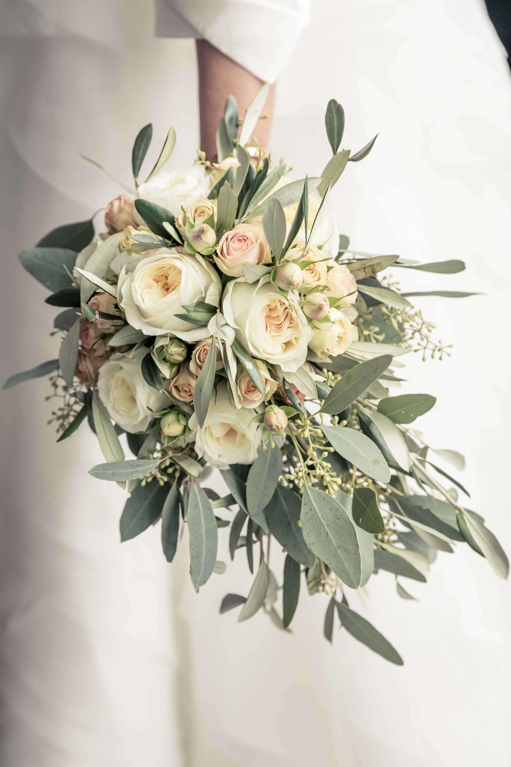 le bouquet de fleur de la mariée