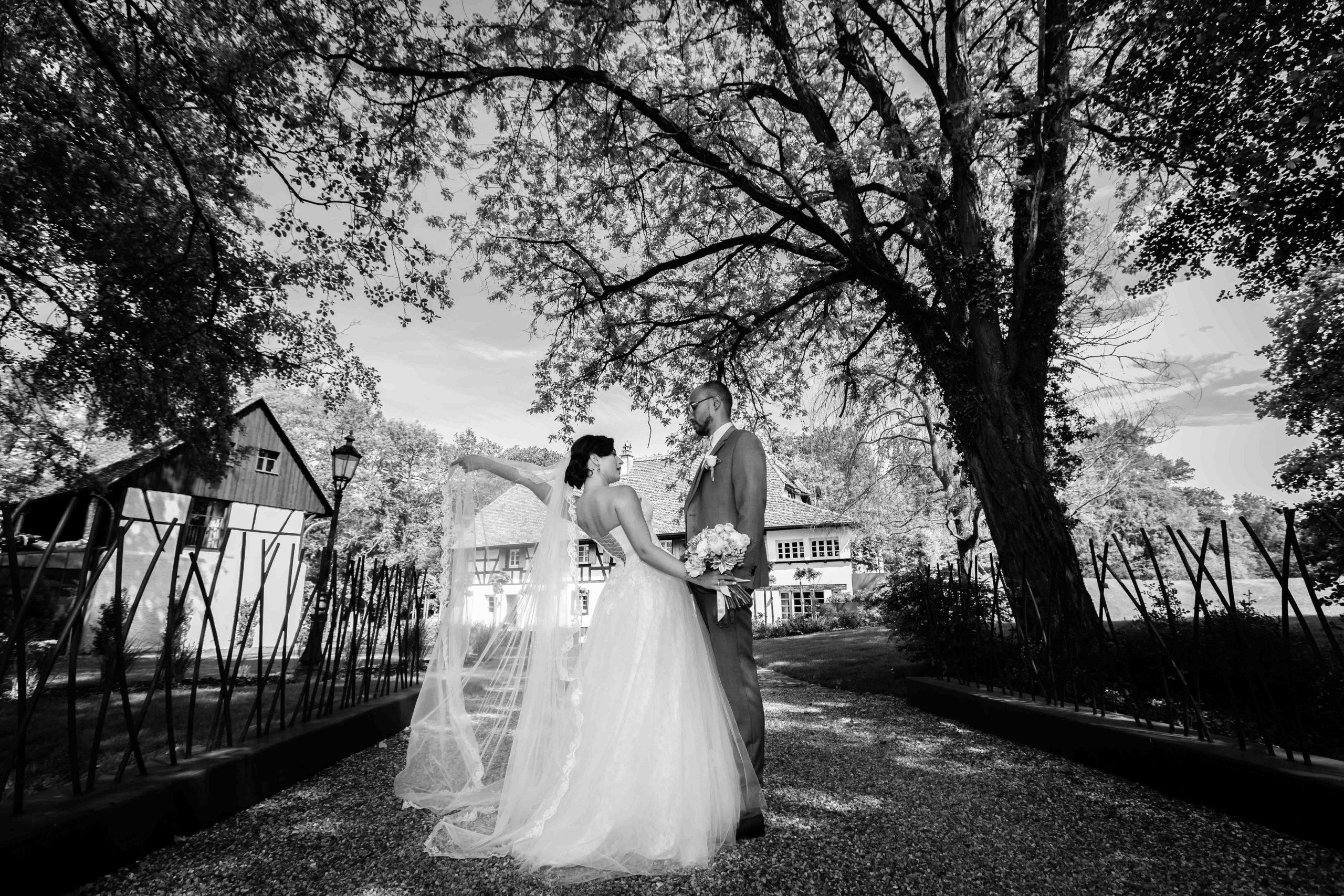 séance photo de mariage au domaine du Kaegy à steinbrunn-le haut